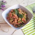 Insalata di farro, tonno, fagiolini e pomodori secchi