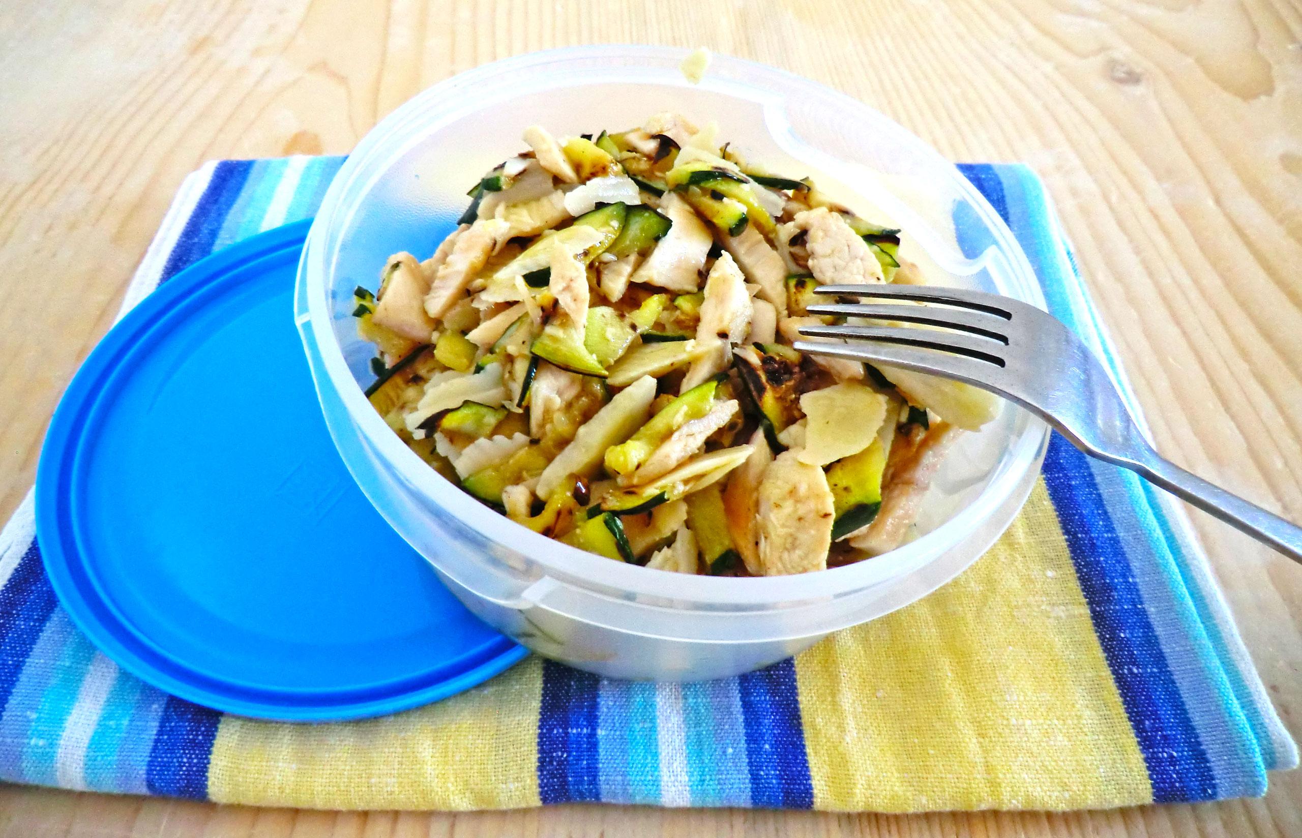 Insalata di pollo zucchine e gran moravia le ricette di - Borsa pranzo ikea ...