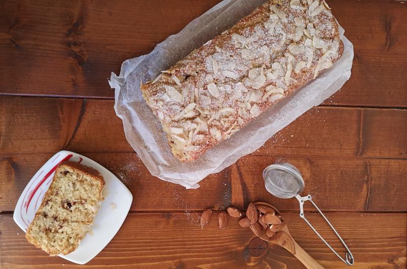 plumcake-cocco-mandorle