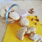 Biscotti con mele, cannella e mandorle