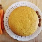 Torta carotina con mandorle