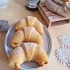 Cornetti di pan brioche con marmellata